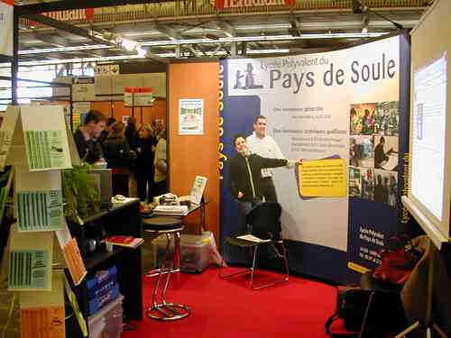 Le salon de l 39 tudiant 2003 bordeaux for Salon de l etudiant bordeaux