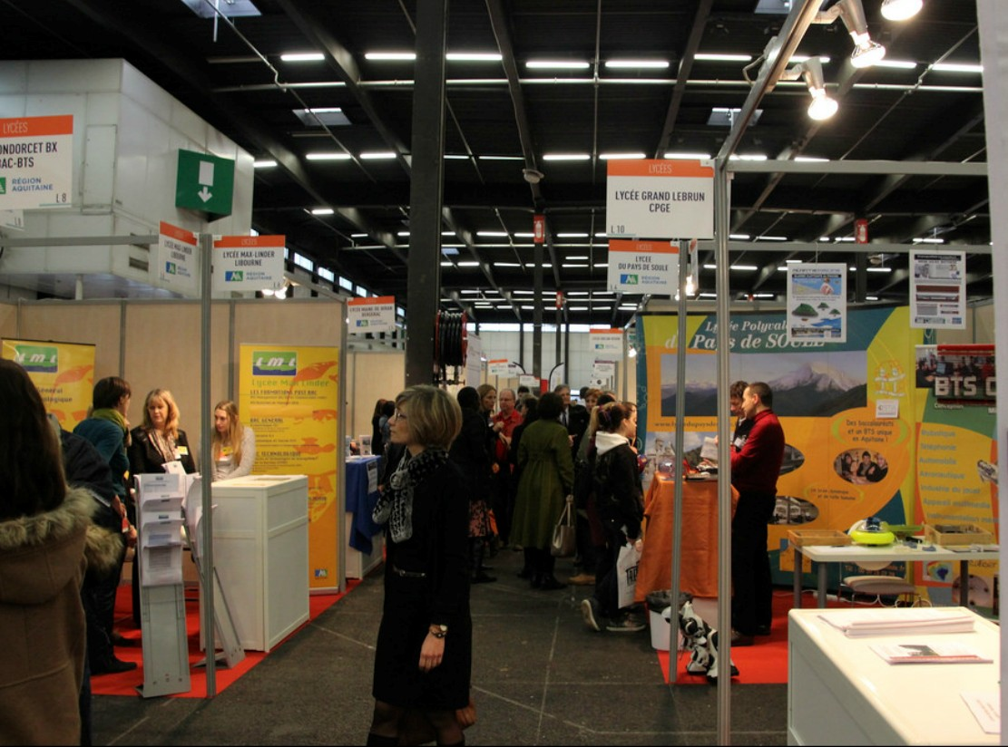Le lyc e du pays de soule s 39 expose aux salons post bac for Salon de l etudiant bordeaux